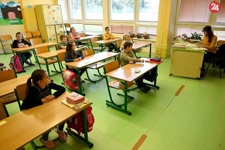 Ilustračný obrázok k článku Hľadá sa NAJ učiteľ Slovenska: V TOP 30 má svoje želiezko v ohni aj Zvolenský okres