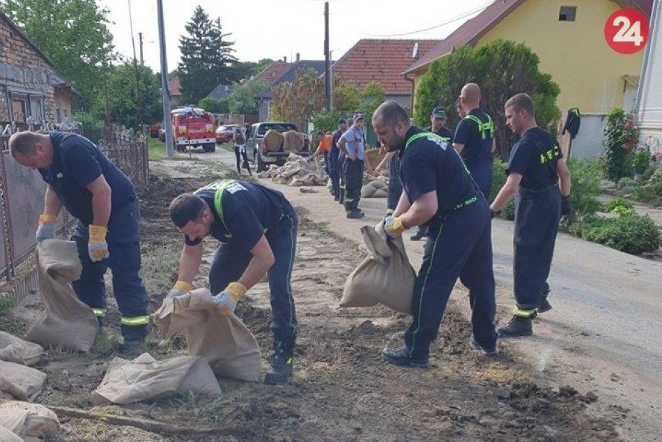 Ilustračný obrázok k článku Sme na tom o niečo lepšie: Mesto odvolalo tretí povodňový stupeň