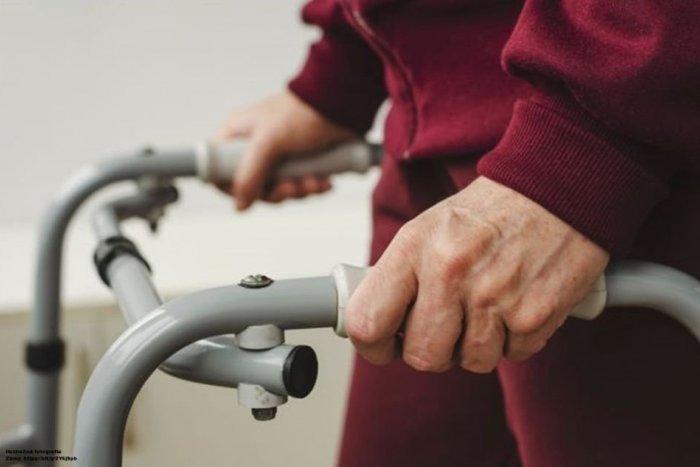 Ilustračný obrázok k článku Hrozné, čo sa dialo v obci pri Bystrici: Dôchodkyni spôsoboval utrpenie jej vlastný syn