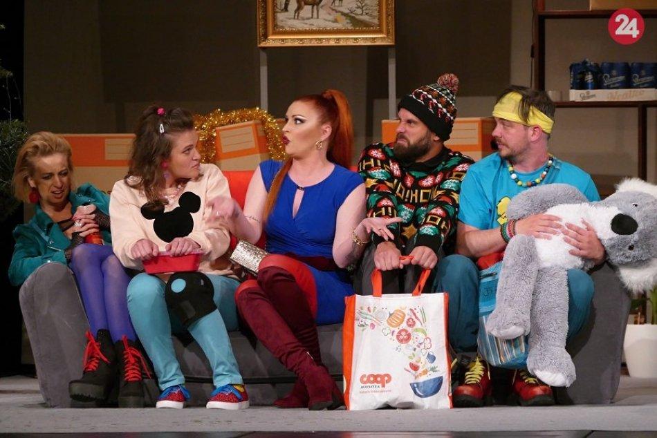 Ilustračný obrázok k článku Príďte sa zasmiať: Nová komédia v žilinskom divadle odhaľuje slovenskú náturu