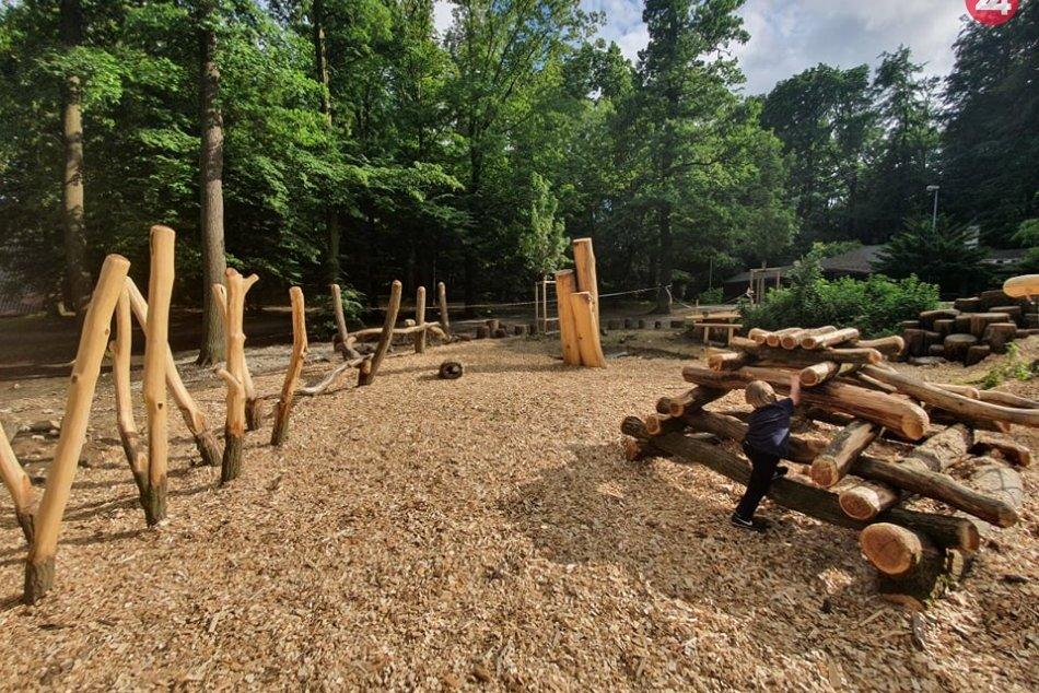 Ilustračný obrázok k článku Preliezačky s vôňou dreva:  Na Kamzíku vyrástlo prírodné Šantisko pre deti