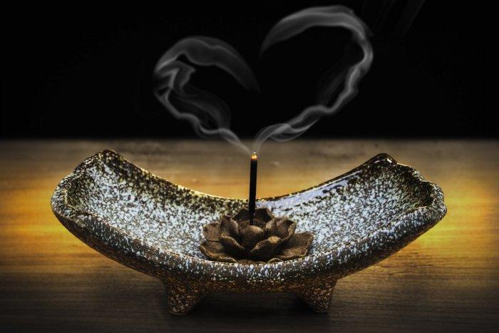 Ilustračný obrázok k článku TÝŽDENNÝ HOROSKOP podľa Valiky: Ktoré znamenia zahoria letnou láskou?