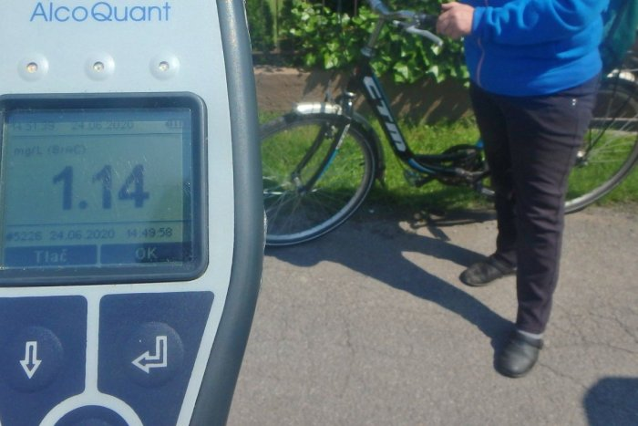 Ilustračný obrázok k článku Ohrozovala seba i ostatných: Cyklistka nafúkala 2,38 promile