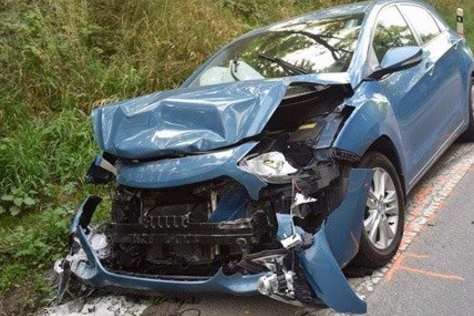 Ilustračný obrázok k článku Čo sa udialo na ceste pri Lučenci? Polícia hľadá svedkov tejto nehody, FOTO