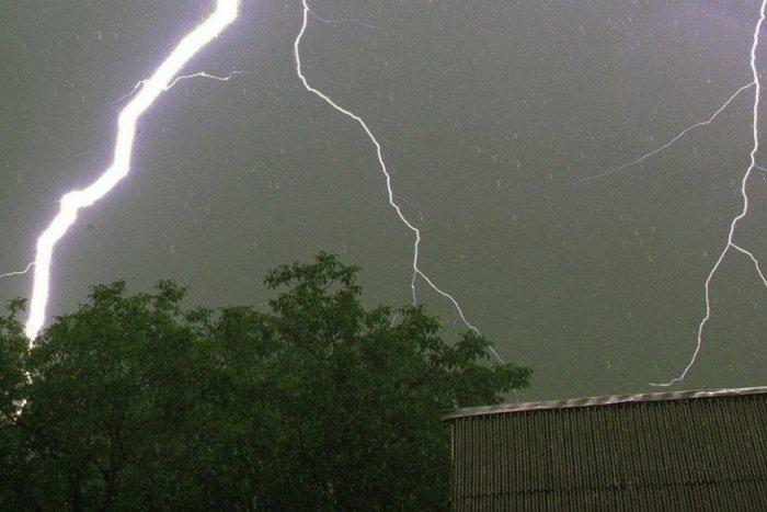 Ilustračný obrázok k článku Na Slovensku môžu udrieť nočné búrky s krúpami: Kde všade hrozia?