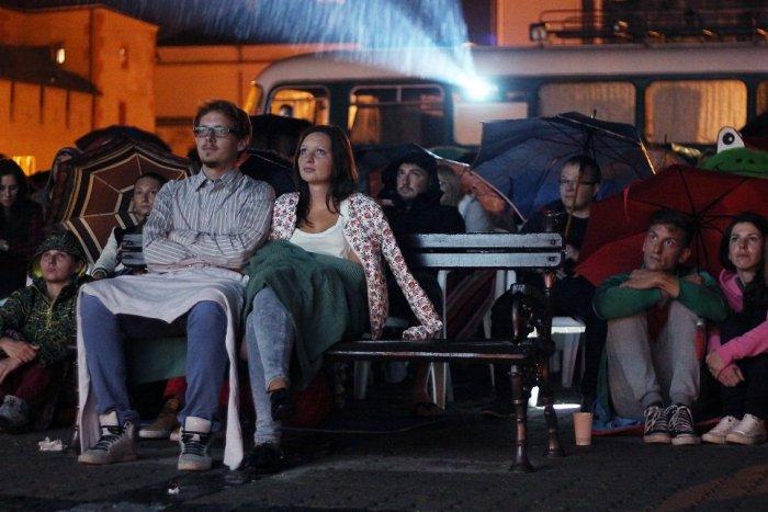 Ilustračný obrázok k článku Letné kino v centre Žiliny: Tieto filmy si užijeme pod holým nebom