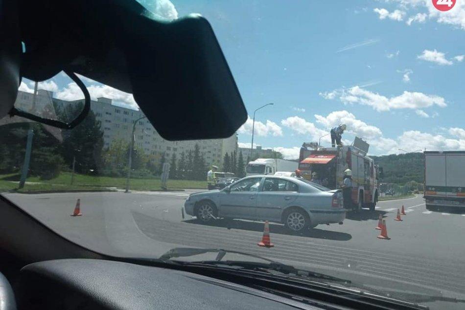 Ilustračný obrázok k článku Pri nehode vo Zvolene zasahujú všetky záchranné zložky: Na mieste je zranená osoba, FOTO