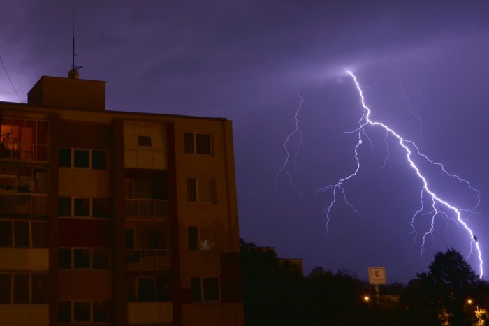 Ilustračný obrázok k článku Začína sa divoké májové počasie: Prešov sa musí pripraviť na silný vietor a búrky!
