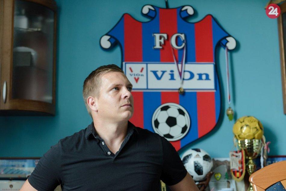 Ilustračný obrázok k článku ViOn doviedol až do skupiny o titul: Benkovský bude pokračovať aj v budúcej sezóne