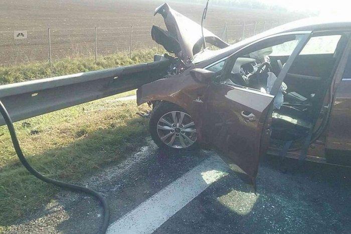 Ilustračný obrázok k článku Pri Revúcej došlo k nehode: Obaja vodiči skončili v nemocnici