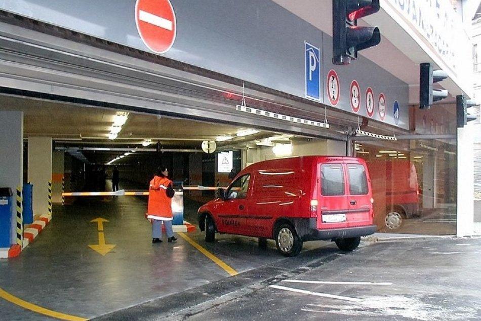 Ilustračný obrázok k článku Vyrastie vo Zvolene nový parkovací dom? Súčasťou majú byť aj desiatky bytov