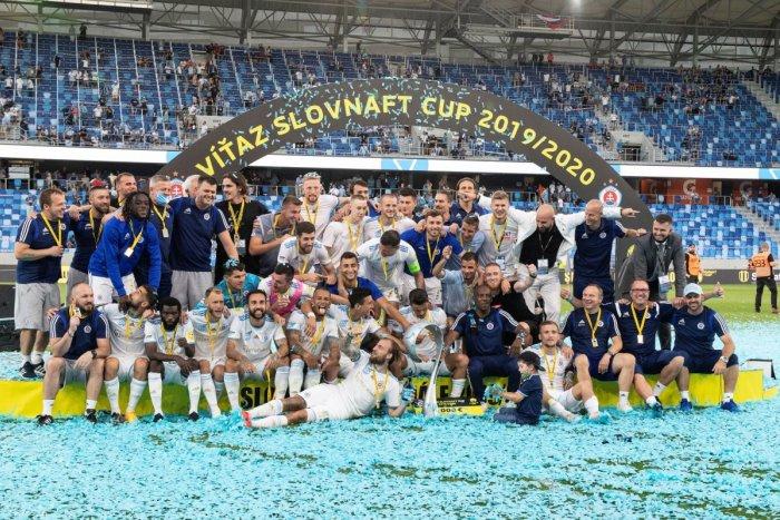 Ilustračný obrázok k článku Futbalisti Slovana majú double: O triumfe nad Ružomberkom rozhodol sporný moment! FOTO