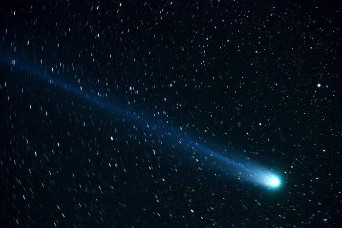 Ilustračný obrázok k článku Nad Slovenskom žiari najjasnejšia kométa. Kedy a kde na oblohe ju nájdete?