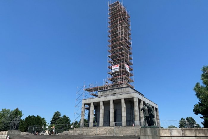 Ilustračný obrázok k článku Blesky zničili vojaka na Slavíne. Ako vyzerá po rekonštrukcii?