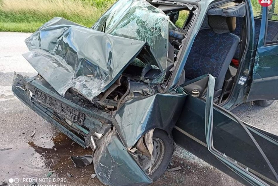 Ilustračný obrázok k článku Čelná zrážka pri Revúcej sa skončila tragicky: Zahynul jeden z vodičov, FOTO