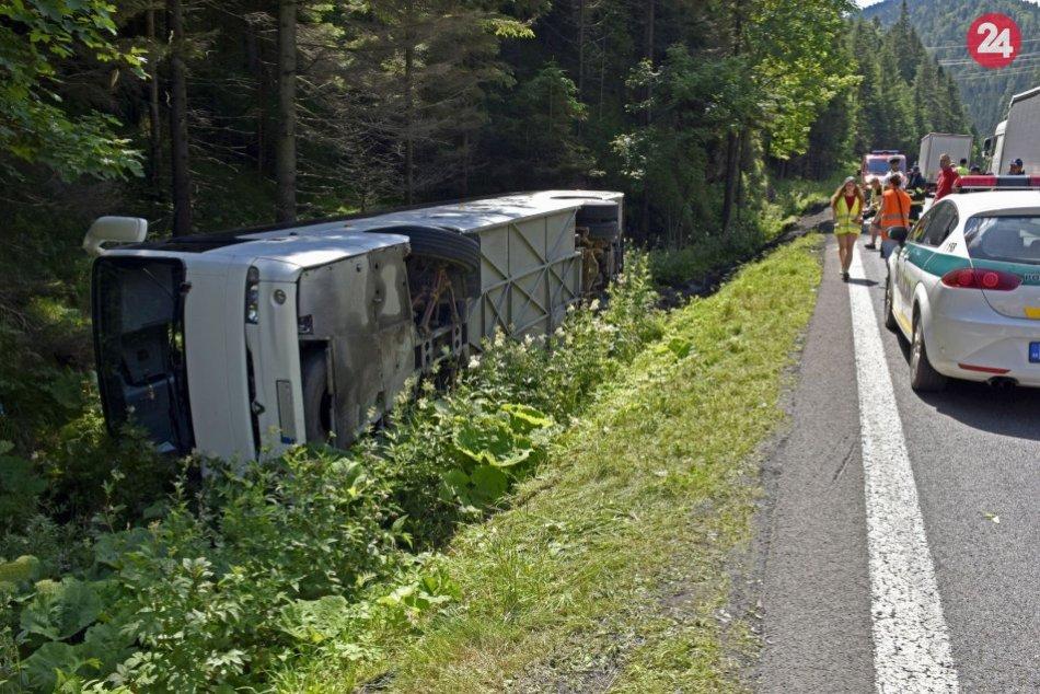Ilustračný obrázok k článku Videli ste, čo sa udialo na Donovaloch? Polícia hľadá svedkov nehody autobusu