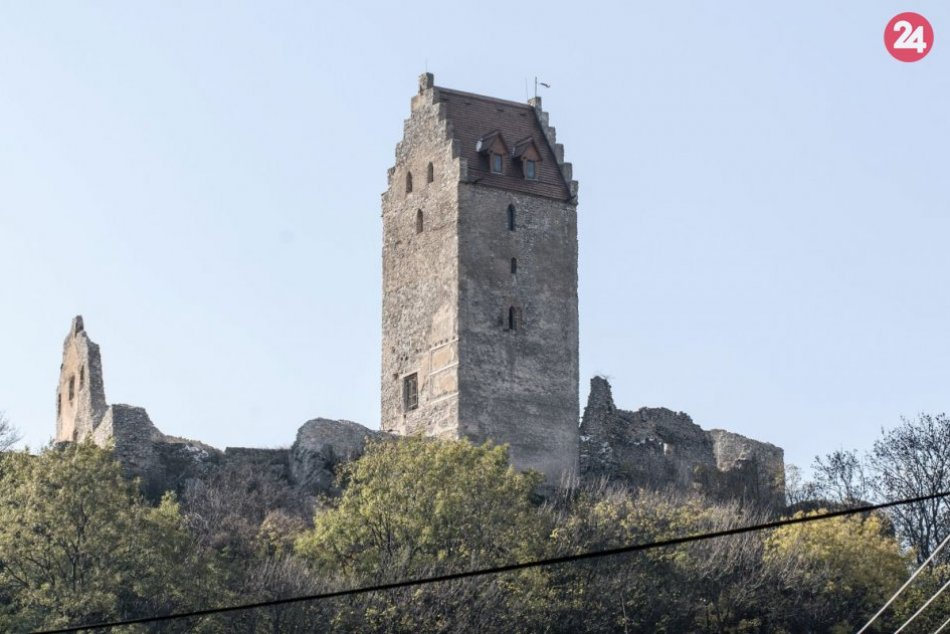 Ilustračný obrázok k článku Neseďte doma: Topoľčiansky hrad láka krásnymi výhľadmi na krajinu a bohatou históriou