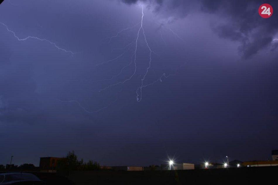 Ilustračný obrázok k článku Meteorológovia sľubujú na piatok lejak: Kedy by mal doraziť k Popradu?