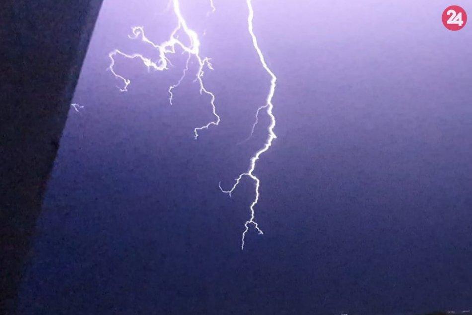 Ilustračný obrázok k článku Meteorológovia zvýšili výstrahu pre okres Poprad: TOTO všetko čakajú večer
