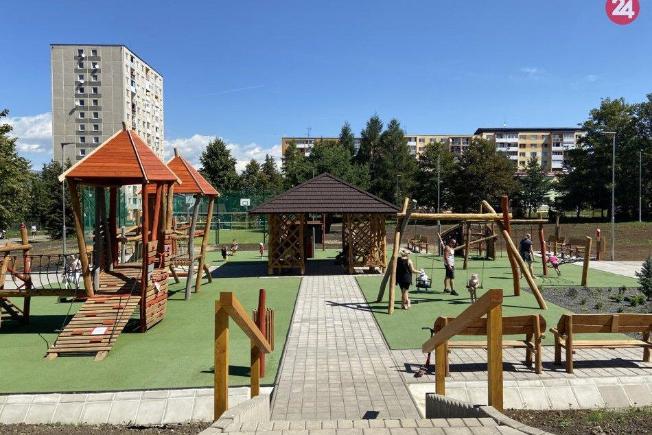 Ilustračný obrázok k článku Nová paráda v Poprade: Na sídlisku vyrástlo ihrisko za vyše štvrť milióna eur, FOTO