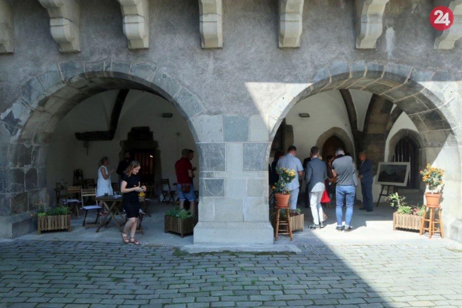 Ilustračný obrázok k článku Nové lákadlo na Zvolenskom zámku: Vznikol priestor na oddych aj informácie, FOTO