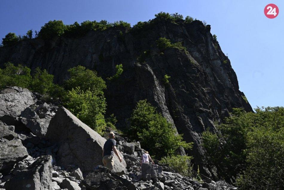 Ilustračný obrázok k článku Vtáčnik má čo ponúknuť: Hrádok je rajom nielen pre lezcov, FOTO