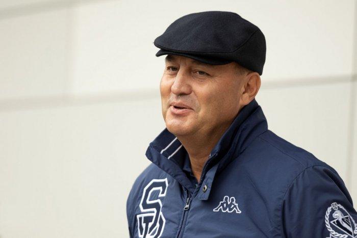 Ilustračný obrázok k článku Staronový šéf Slovana už úraduje: BEZ SERVÍTKY povedal, prečo nechce najväčšiu hviezdu ligy!