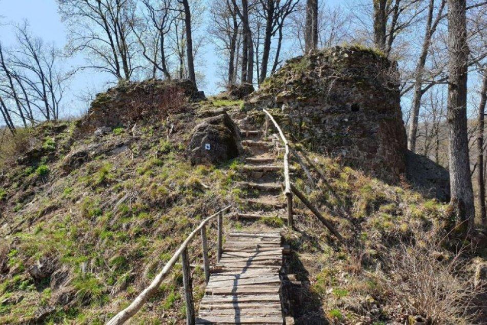 Ilustračný obrázok k článku Poznáte historický klenot Gemera? Ponúka túru aj úchvatné výhľady, FOTO
