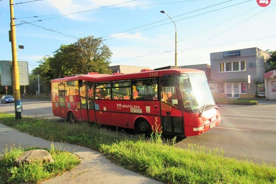 Ilustračný obrázok k článku Prešovčania si na ne ťažšie zvykajú: Ojazdené autobusy z Bratislavy premaľujú, FOTO