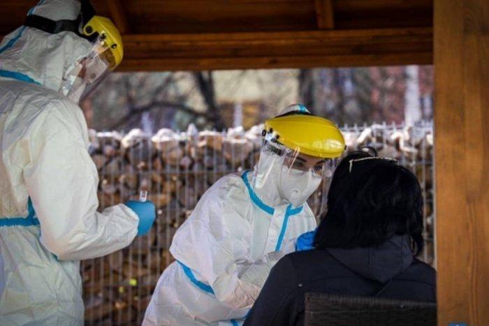 Ilustračný obrázok k článku Epidemiologička o situácii v Banskobystrickom kraji: Prečo už 3 okresy prepli COVID semafor?