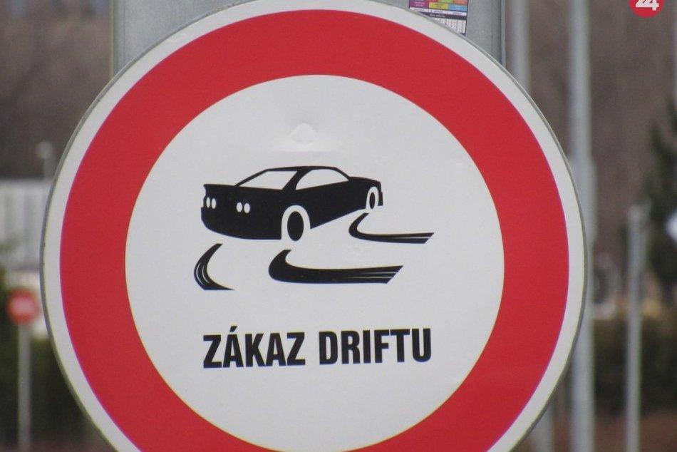 Ilustračný obrázok k článku Rožňavská mládež sa venuje novej zábavke: Policajti s jasnou výzvou občanom!