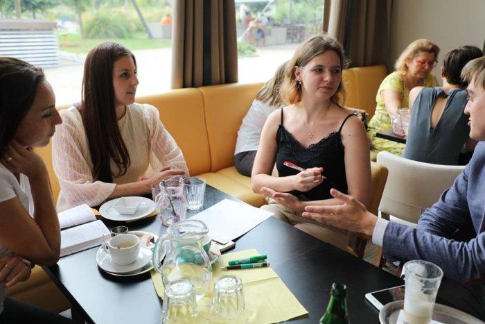 Ilustračný obrázok k článku Petržalka chce viac počúvať mladých ľudí. Budú mať svoj parlament