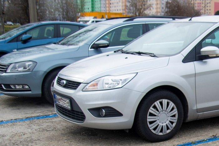Ilustračný obrázok k článku Ako sa zmení parkovanie na breznianskom sídlisku? Primátor predstavil možnosti