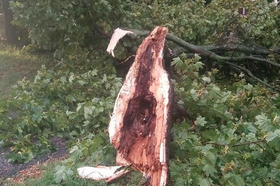 Ilustračný obrázok k článku Na Topoľčany sa rúti silný vietor: Môže napáchať veľké škody!