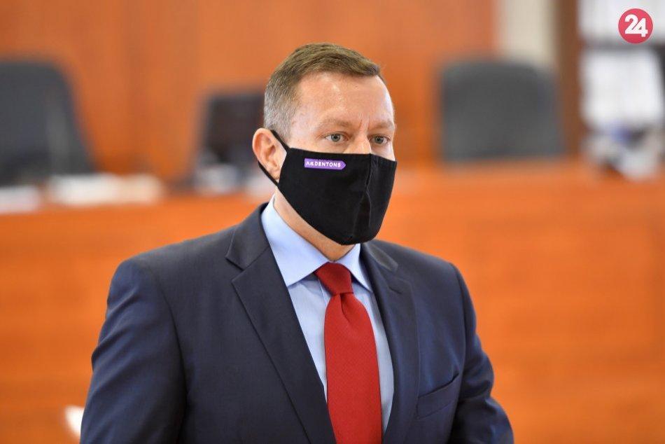 Ilustračný obrázok k článku Lipšicov úrad hlási znepokojenie so zásahom NAKA: Je tu podoba s prípadom Kuciaka!