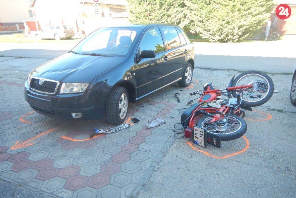 Ilustračný obrázok k článku Dopravná nehoda v Kolárove: Pri zrážke sa zranil motorkár, FOTO