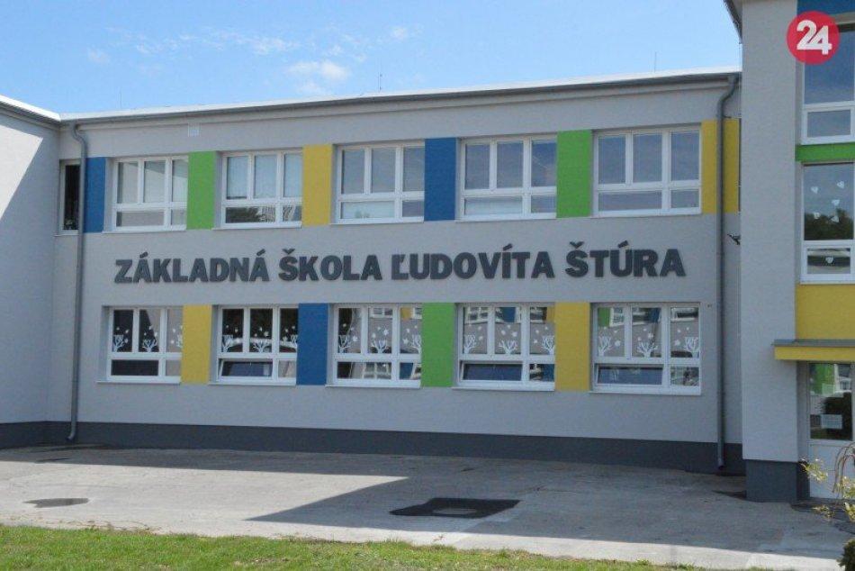 Ilustračný obrázok k článku Prvá časť rekonštrukcie školy sa podarila: Mesto chce získať ďalšie financie, FOTO