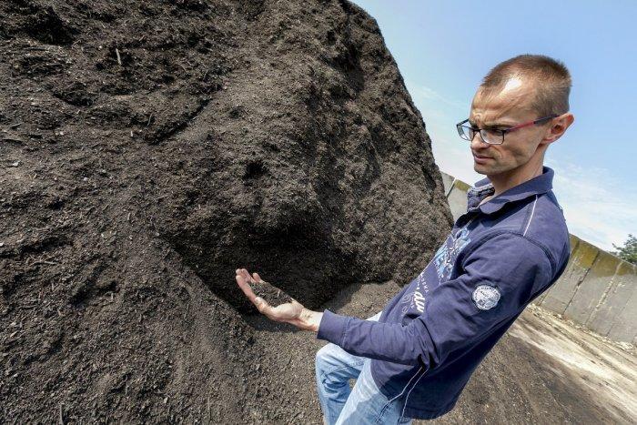 Ilustračný obrázok k článku Lučenec získal státisíce eur na rozšírenie kompostárne: Pribudne aj nová technika