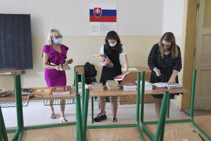 Ilustračný obrázok k článku Najviac chorých na COVID-19 pribudlo v Bratislave. Zatvorené sú ďalšie triedy v školách