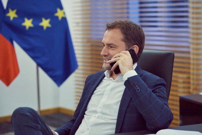 Ilustračný obrázok k článku Matovič je premiér či administrátor sociálnych sietí? Len robí chaos v štáte, tvrdí Pellegrini
