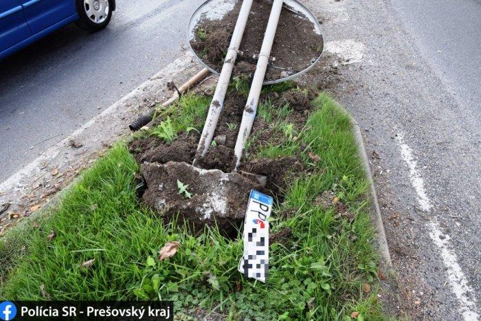 Ilustračný obrázok k článku Muž narazil do značky v kruháči a pokračoval v jazde: Vysvetlenie na ďalšej ulici