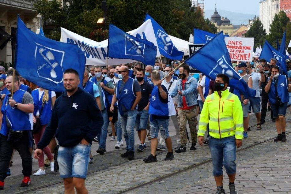 Ilustračný obrázok k článku Odborári chystajú protestný pochod v Bystrici: Prečo sa vyberú do ulíc?
