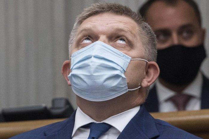 Ilustračný obrázok k článku Fico sa ospravedlnil Čechom a hovorí o domácich IDIOTOCH. Situácia je však vážna