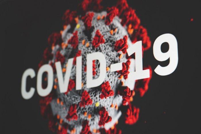Ilustračný obrázok k článku Koronavírus: Nových prípadov je viac ako STO. Táto informácia je POZITÍVNA!