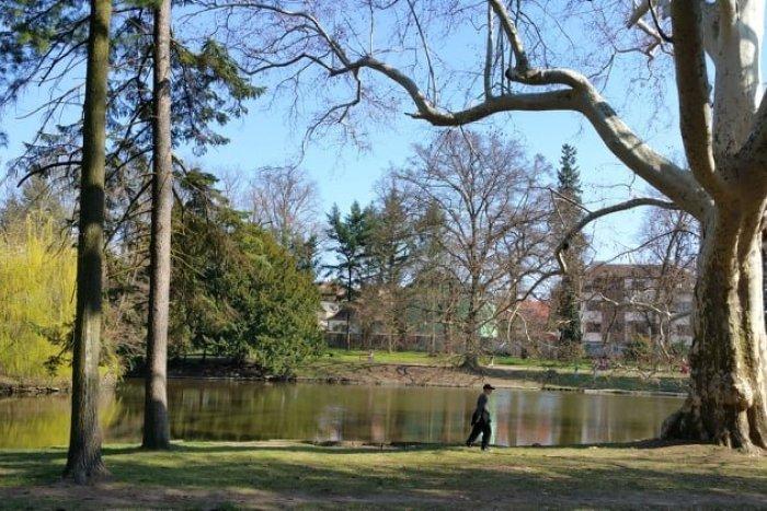 Ilustračný obrázok k článku Tip na výlet: Prejdite sa nádherným parkom s romantickými zákutiami