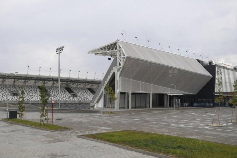 Ilustračný obrázok k článku Výstavba futbalovej arény pokračuje. Kedy bude v Košiciach hrať reprezentácia? FOTO