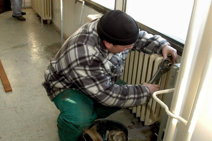 Ilustračný obrázok k článku Zima v bytoch by už byť nemala: V Považskej Bystrici začali vykurovať!