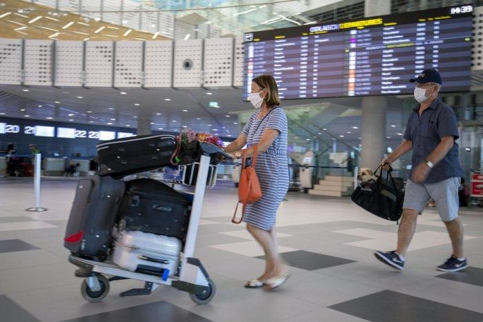 Ilustračný obrázok k článku Vieme, ako budete cestovať v lete na dovolenku. Kto dostane COVID pas?