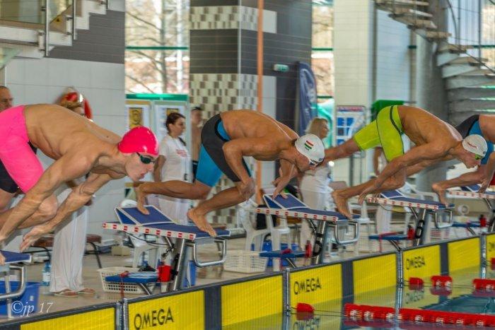 Ilustračný obrázok k článku Obľúbený plavecký míting v Bystrici zatiaľ nezrušili: Takto bude vyzerať