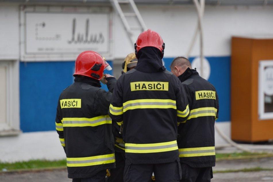 Ilustračný obrázok k článku Na Horehroní vypukol požiar bytu: Zasahujú profesionálni aj dobrovoľní hasiči
